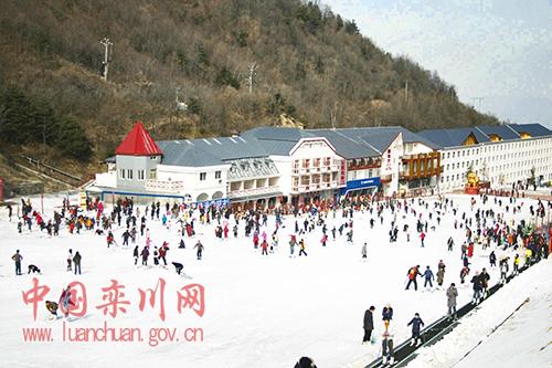 来撒欢儿!洛阳伏牛山滑雪度假乐园12月8日开启中原首滑